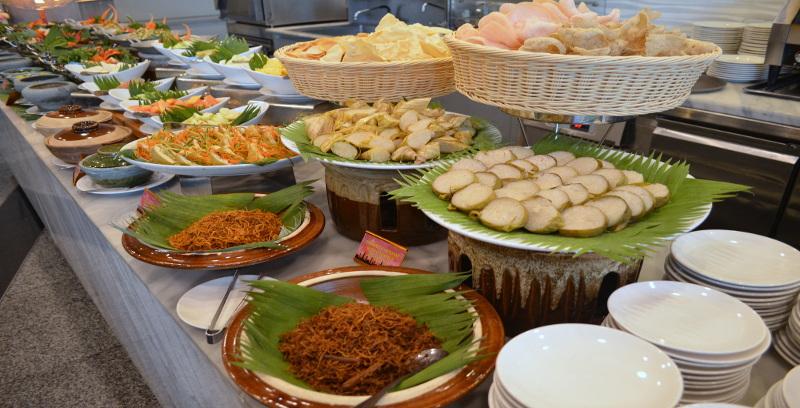 Gabungan hidangan tempatan, antarabangsa di Hotel Premiere