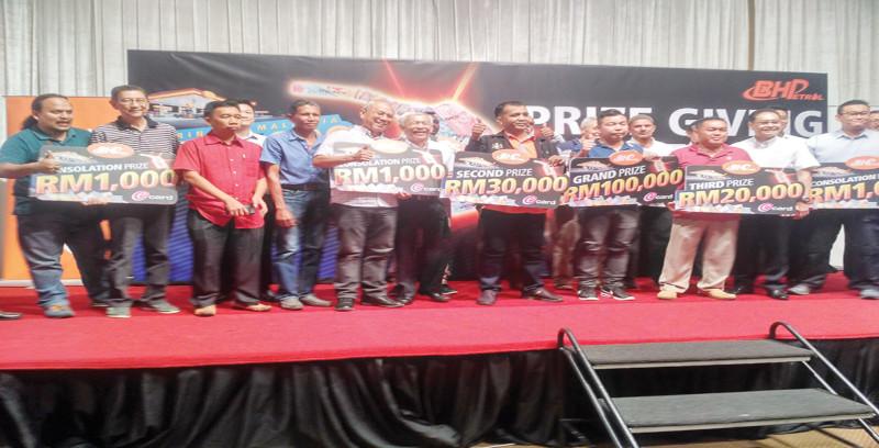 Peniaga menang RM100,000