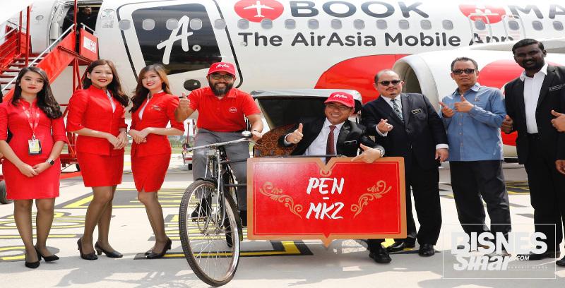 Penerbangan sulung AirAsia ke Melaka dirai