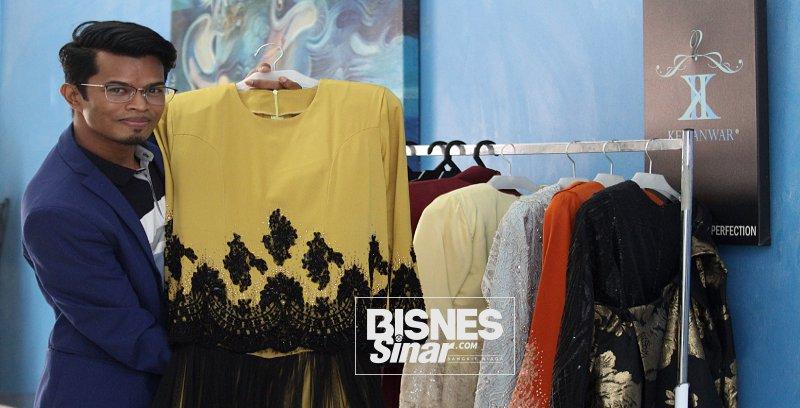 Dari jurutera ke pereka fesyen: Ken Anwar penuhi permintaan pelanggan dengan cara dari pintu ke pintu