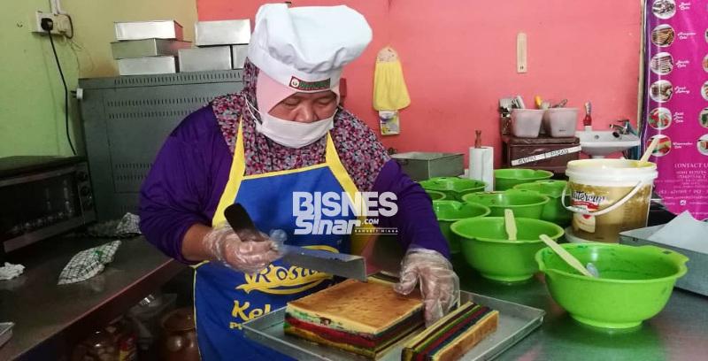 Kek Lapis Sarawak Rosita laris
